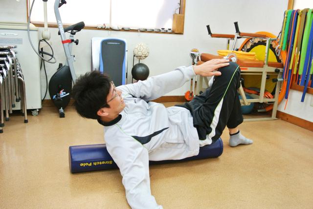 ポールエクササイズで骨盤からつま先までの動きをよくする