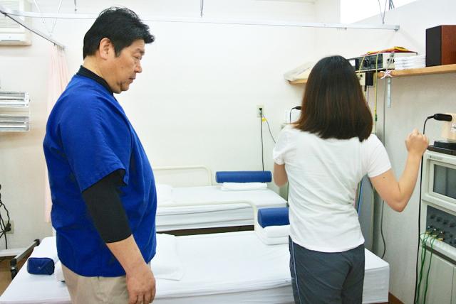 胸郭を中心とした回旋の仕方を学ぶ